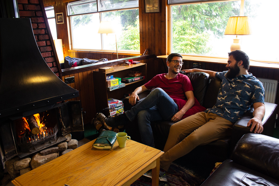 Friends Lochside Hostel Lounge - Loch Ness